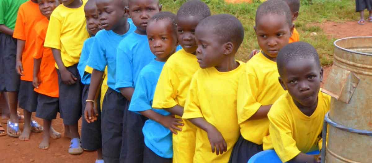 Giving Life Back to a Ugandan Slum